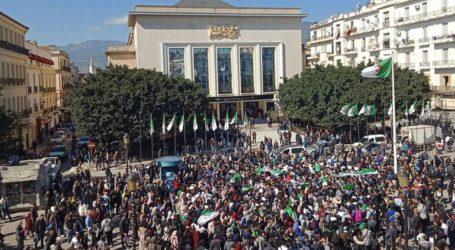 Ο κόσμος δεν φοβάται πια στην Αλγερία