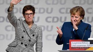 Αντιδράσεις κατά σατιρικών σχολίων της αρχηγού του CDU για τις «ουδέτερες» ως προς το φύλο τουαλέτες