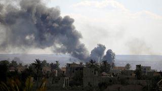 Περίπου 200 τζιχαντιστές παραδόθηκαν στο τελευταίο οχυρό του Ισλαμικού Κράτους
