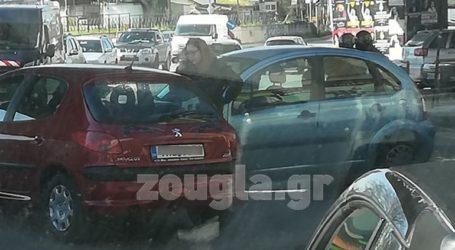 Τροχαίο στην Κωνσταντινουπόλεως – Με δυσκολία διεξάγεται η κυκλοφορία