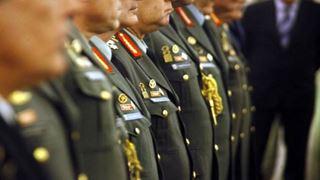 Οι έκτακτες κρίσεις των Συνταγματαρχών Όπλων