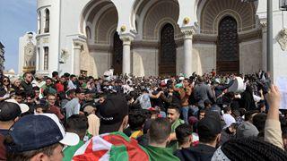 Αλγερία: Διαδηλωτές ζητούν την παραίτηση του Μπουτεφλίκα