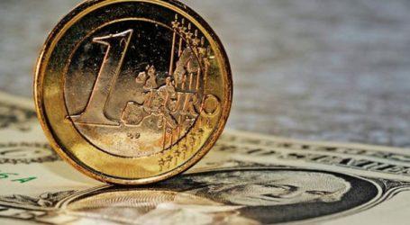 Το ευρώ ενισχύεται οριακά 0,03%, στα 1,1312 δολάρια