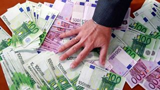 Το ένα τρίτο των δισεκατομμυριούχων τοποθετούν τις περιουσίες τους σε φορολογικούς παραδείσους