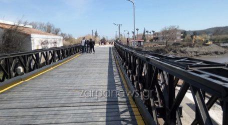 Δόθηκε στην κυκλοφορία η γέφυρα που τοποθέτησαν οι Ένοπλες Δυνάμεις στον Πλατανιά