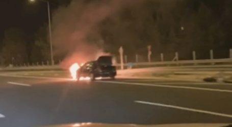 Φωτιά σε όχημα στην εθνική οδό Αθηνών
