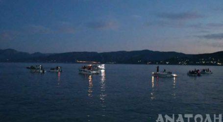 Νυχτερινή θαλασσινή παρέλαση στον Άγιο Νικόλαο