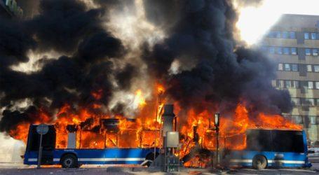 Έκρηξη σε λεωφορείο έπειτα από πρόσκρουση του οχήματος σε τούνελ