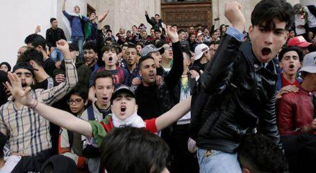 Επιστρέφει στην Αλγερία ο Μπουτεφλίκα μετά από κύμα διαδηλώσεων εναντίον του