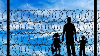 «Φυγή από την πραγματικότητα» η πολιτική ασύλου της κυβέρνησης