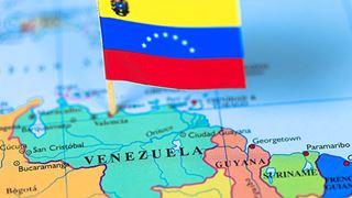 Κυρώσεις σε βάρος όσων υποστηρίζουν τη Βενεζουέλα θα επιβάλλουν οι ΗΠΑ