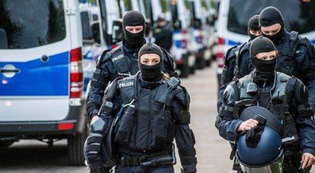 Οι αρχές ερευνούν μια σειρά απειλητικών μέιλ εναντίον πολιτικών, δημοσιογράφων και δικηγόρων