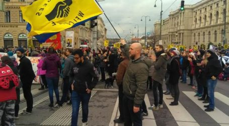 Μεγάλο αντιρατσιστικό συλλαλητήριο στη Βιέννη