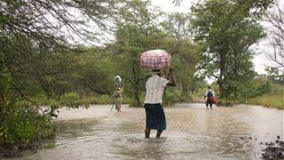 Τουλάχιστον 31 νεκροί από το πέρασμα του κυκλώνα Ιντάι