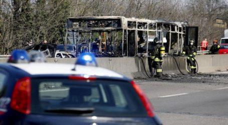 Οδηγός πυρπόλησε λεωφορείο γεμάτο παιδιά