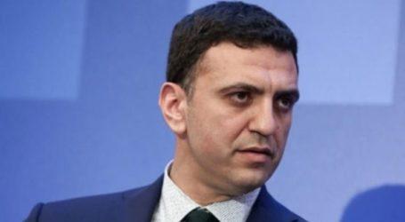 Τα στελέχη του ΣΥΡΙΖΑ αποδοκιμάζονται γιατί η κυβέρνηση αδιαφόρησε για τη βούληση του ελληνικού λαού