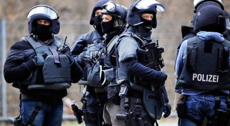 Υπό κράτηση 10 άνθρωποι που κατηγορείται πως σχεδίαζαν ισλαμιστική επίθεση