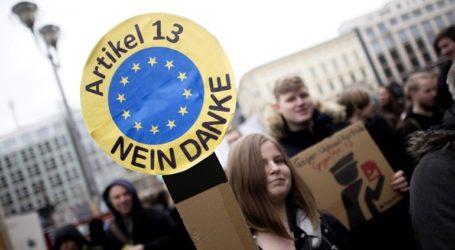 Διαδηλώσεις για την ελευθερία στο διαδίκτυο