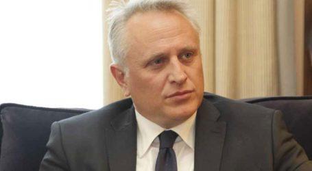 Ο κ. Μητσοτάκης ηγείται της προσπάθειας να παραδοθούν και πάλι τα κλειδιά της χώρας στην παρασιτική ελίτ