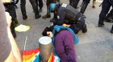 71χρονη διαδηλώτρια σε κώμα μετά από επίθεση της αστυνομίας
