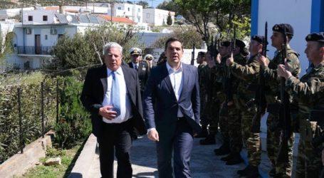 Τουρκικά μαχητικά παρενόχλησαν το ελικόπτερο του Τσίπρα στο Αγαθονήσι