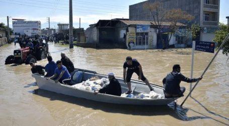 Τουλάχιστον 11 νεκροί από τις πλημμύρες