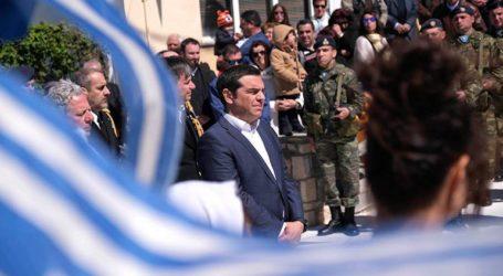 Συνάντηση του πρωθυπουργού Αλ. Τσίπρα με τον δήμαρχο, εκπαιδευτικούς και φορείς του νησιού