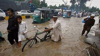Τουλάχιστον 17 νεκροί από τις πλημμύρες