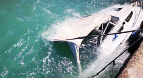 Οι θυελλώδεις άνεμοι βούλιαξαν σκάφος στο λιμάνι του Ναυπλίου