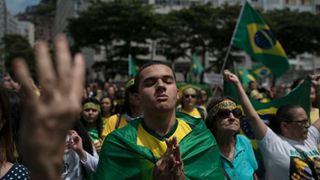 Αρκετές χιλιάδες άνθρωποι διαδήλωσαν κατά της δικτατορίας