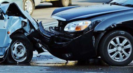 Σύγκρουση αυτοκινήτων στην είσοδο του Αμπελώνα Λάρισας με τραυματισμό κοπέλας που λιποθύμησε από το σοκ