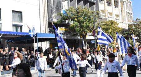 Δεν υπάρχει ακόμη εκπρόσωπος της κυβέρνησης λίγες ώρες πριν την παρέλαση της Λάρισας