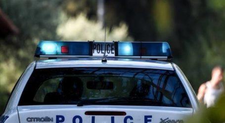 Χειροπέδες σε 72χρονο άνδρα που επιτέθηκε με μαχαίρι στον γιο του