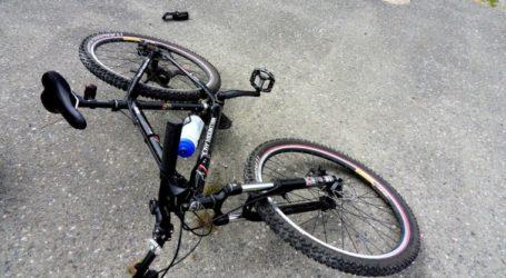 ΤΩΡΑ: Ποδηλάτης παρέσυρε μικρό μαθητή στον Βόλο