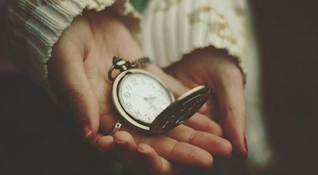 «Μεγαλώνω δε γερνάω» με τη Δάφνη Φιλίππου – Συζήτηση στον Βόλο