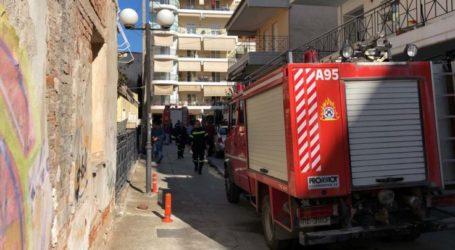 Συναγερμός από έκρηξη σε μονοκατοικία στη Λάρισα (φωτό)
