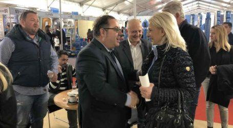 Στην Agrothessaly η Ρένα Καραλαριώτου – Συναντήθηκε με εκθέτες και επισκέπτες
