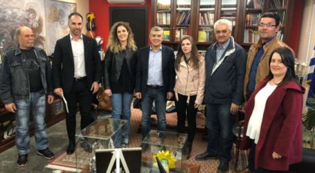 Συνάντηση Περιφερειάρχη Θεσσαλίας με αντιπροσωπεία του Συλλόγου Γονέων και Κηδεμόνων Δημοτικού Σχολείου Αιγάνης