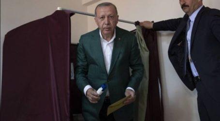 """Οι Κούρδοι """"έκαψαν"""" τον Ερντογάν στην Πόλη"""