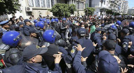 Διαδηλώσεις στην Αλγερία – Χρήση δακρυγόνων και αντλιών νερού από την αστυνομία