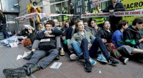 Ακτιβιστές διαδηλώνουν για την κλιματική αλλαγή