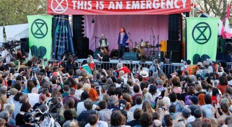 Η 16χρονη ακτιβίστρια Γκρέτα Τούνμπεργκ μίλησε για το κλίμα σε συγκέντρωση στο Λονδίνο