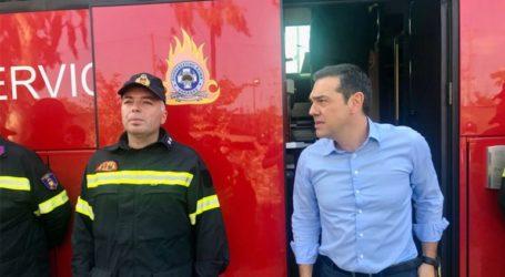 Συνάντηση του πρωθυπουργού Αλέξη Τσίπρα με συμβασιούχους πυροσβέστες