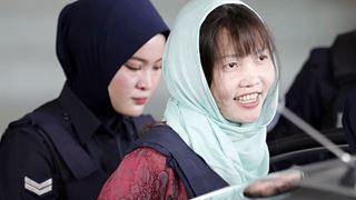 Ελεύθερη η γυναίκα που κατηγορείται για τη δολοφονία του ετεροθαλούς αδελφού του Κιμ Γιονγκ Ουν