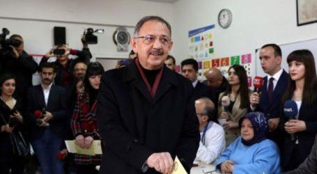 Ο υποψήφιος του AKP στην Άγκυρα καταγγέλλει παρατυπίες σε χιλιάδες κάλπες