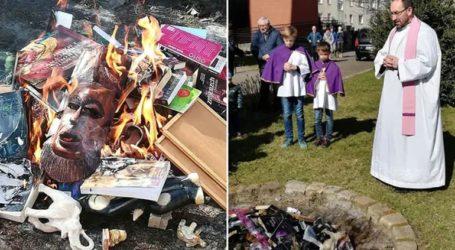 Ιερείς έκαψαν βιβλία του «Χάρι Πότερ», φυλαχτά και αγαλματίδια για να καταπολεμήσουν «τη μαγεία και τον αποκρυφισμό»