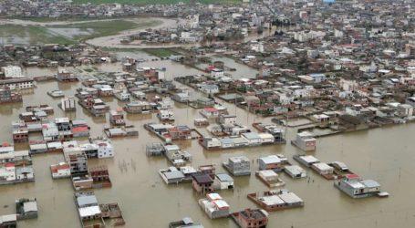 Χάος από τις πλημμύρες στο Ιράν