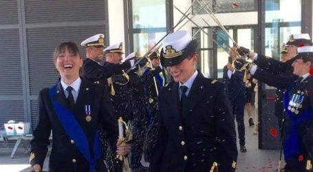 Δύο Ιταλίδες αξιωματικοί του Πολεμικού Ναυτικού ενώθηκαν με τα δεσμά του γάμου