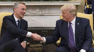 Ο Τραμπ υποδέχεται τον Στόλτενμπεργκ μία ημέρα πριν τη σύνοδο των ΥΠΕΞ των χωρών της Συμμαχίας