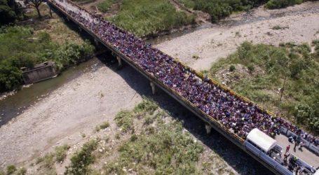 Εγκαταλείπουν τη Βενεζουέλα από τη γέφυρα Μπολιβάρ